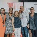 Fotografía con personal de Canarias Cultura en Red y del Museo Elder con Aurora Moreno